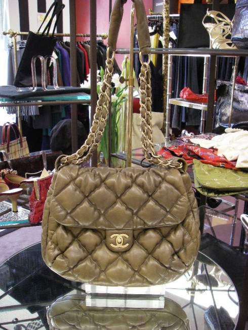 CHANEL - Handbag